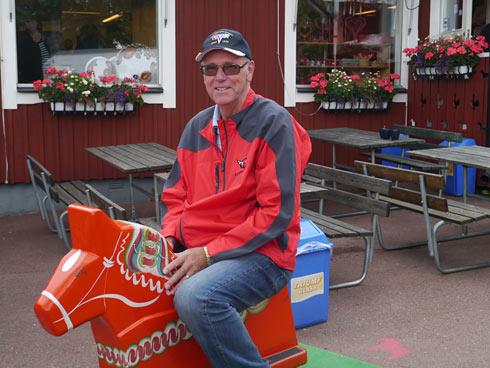 Kjell Lindfors testar en hästkraft.