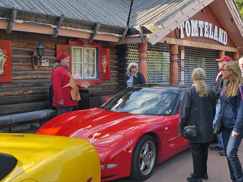 Tomten Nisse Holm vill ha en röd Corvette.