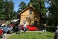 Byringe Stationshus är numera en privatbostad, men ägarna bjöd så generöst in oss på sin gårdsplan