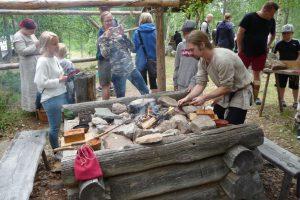Det visades upp smide på vikingavis.