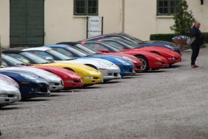 Färgglad parkering - lika säkert vårtecken som syrener!