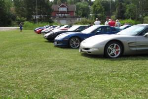 Corvettefronter på rad gör sig märkvärdigt bra i bild!