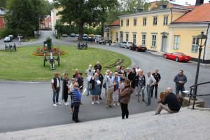 Samling inför lunchstoppet på Finspångs Slot